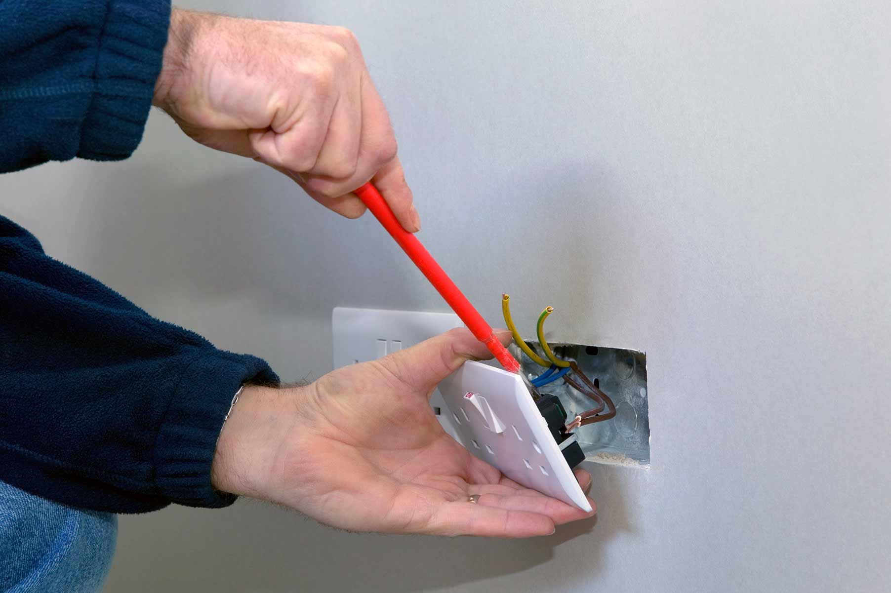 Our electricians can install plug sockets for domestic and commercial proeprties in Hither Green and the local area.